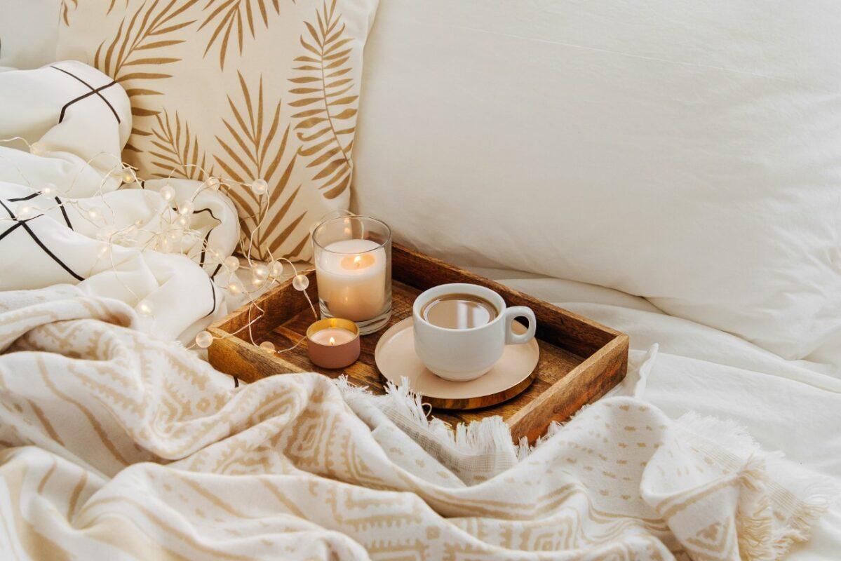 best-candles-bedroom-amazon-7156336-1199x800-9332186